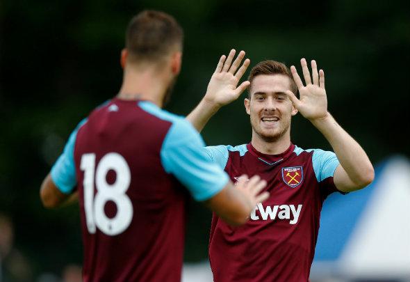 Martinez set to leave West Ham