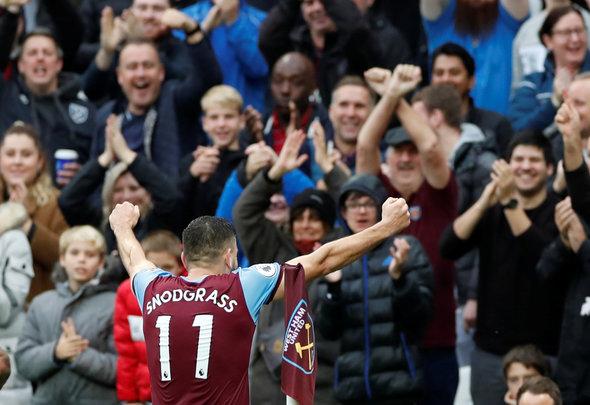Image for West Ham fans on Twitter discuss Robert Snodgrass