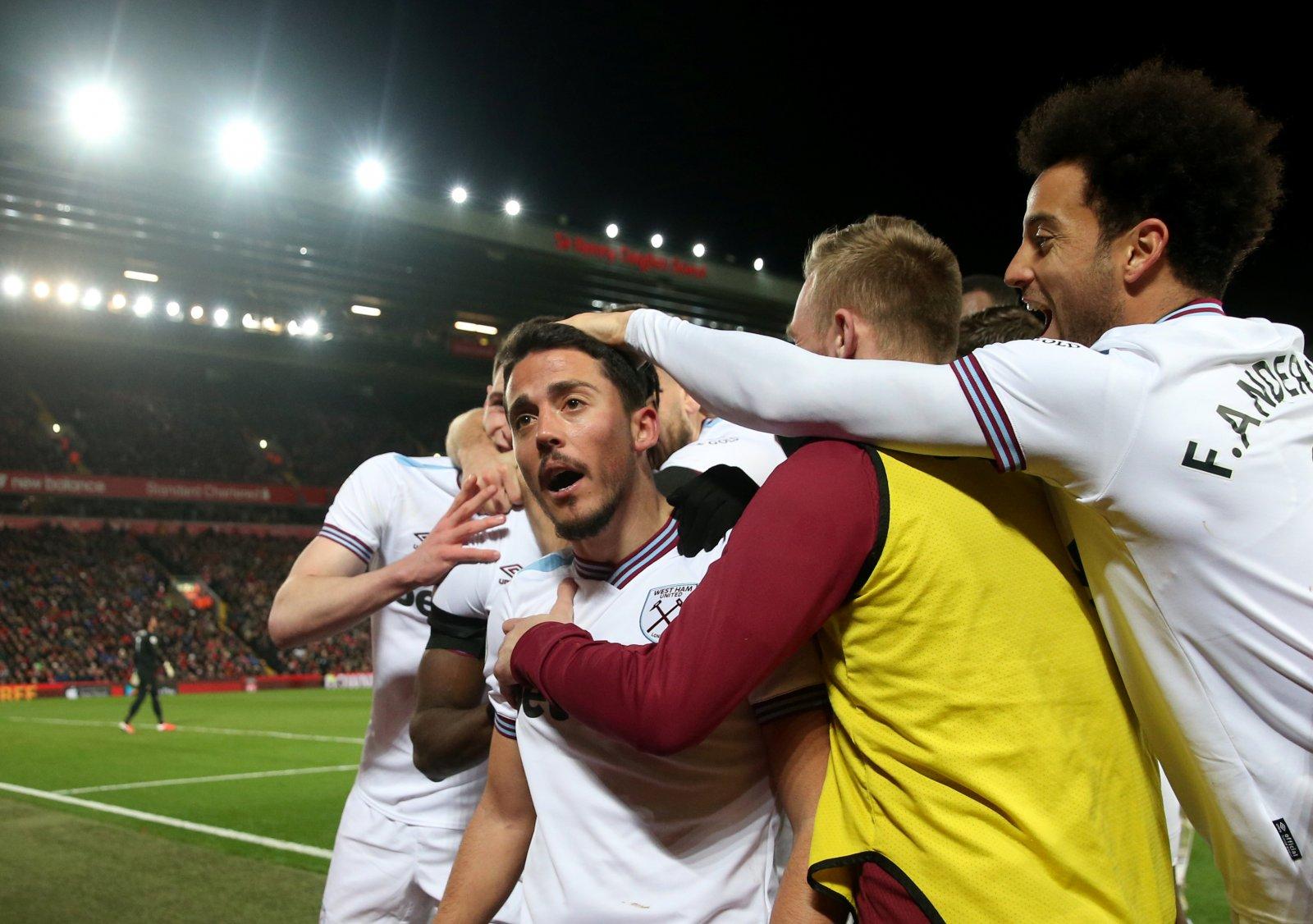 Image for West Ham fans on Twitter react to Coronavirus update