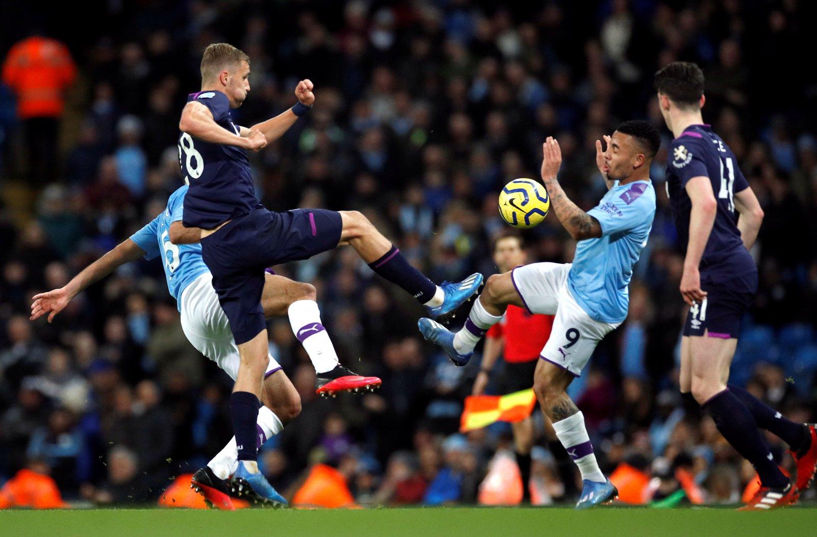 Image for West Ham fans debate Tomas Soucek performance on social media